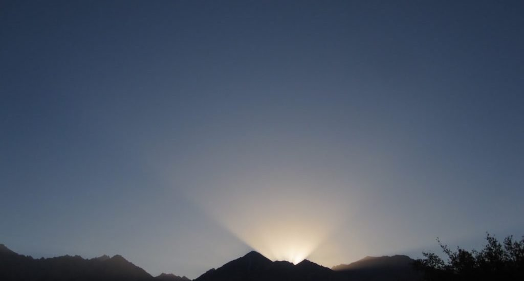 SUN SETTING BEHIND THE MOUNTAINS INDEPENDENCE, CA EASTERN SIERRAS WEDNESDAY NIGHT, SEPTEMBER 14, 2016 FEAST OF THE EXALTATION OF THE HOLY CROSS